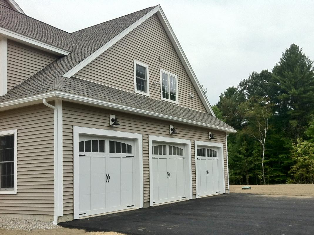 Cherry hill homes inc portfolio 3 000 sf colonial with for Colonial garage